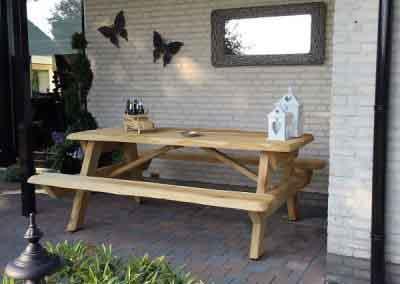 Onbekante eiken picknickbank